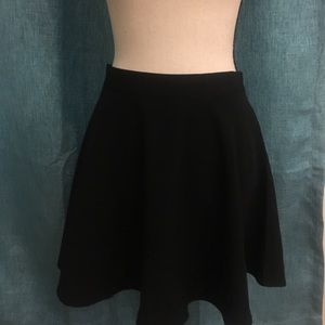 Forever 21 mini skirt size medium NWT